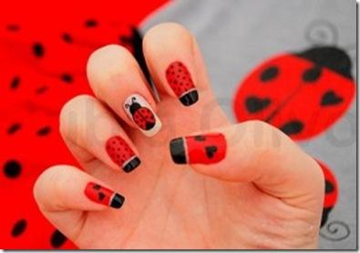 decoracion de catarina roja en uñas