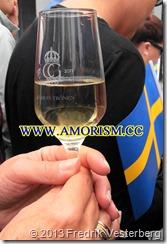 20130915_152518 (1)  Kung Carl XVI Gustaf 40 årsjubileum. Glas. Med amorism