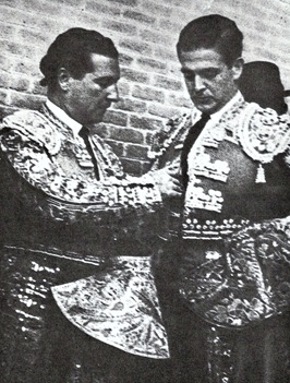 1960 Antonio y Juan Bienvenida Mano a mano Madrid 001