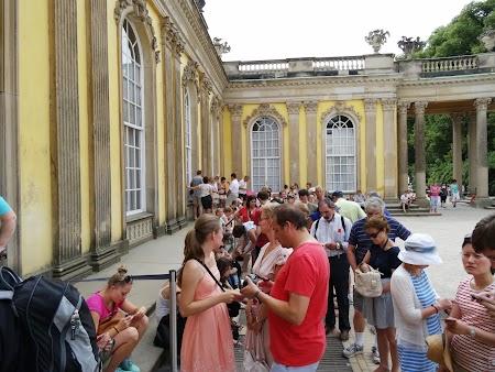 Coada la intrarea in Sanssouci