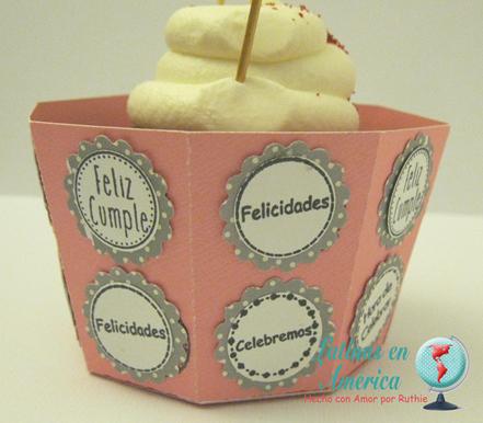 Blog Hop 2o Aniversario Latinas en America - Ruthie Lopez - Dilo en Español - Cupcake box 5