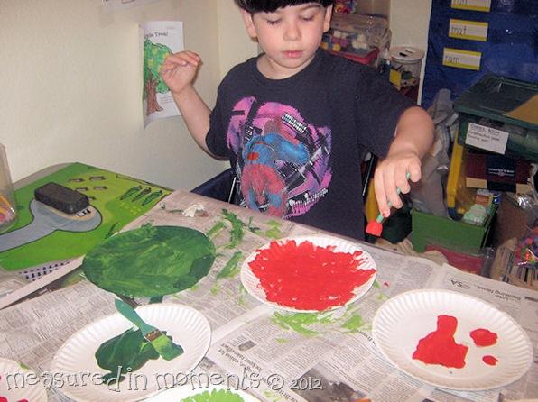 Paper plate Apple Tree painting