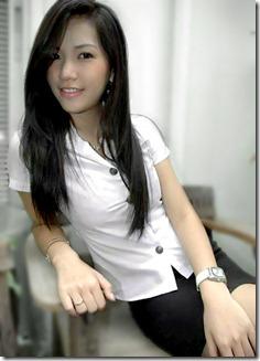 pakaian seragam sekolah pelajar perempuan di Thailand yang melampau 5