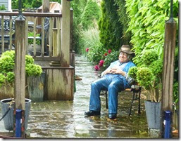 sitting in the rain near boulters lock