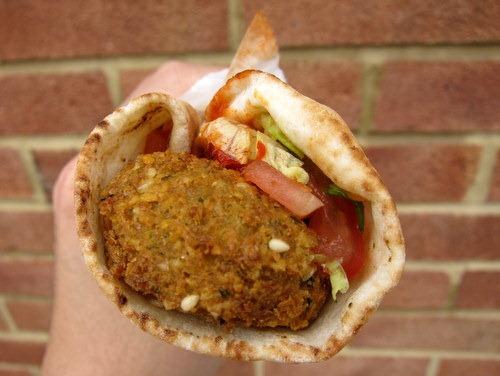 [Medium-Falafel-Sandwich4.jpg]
