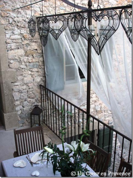 Voiles sur la terrasse - Un Cœur en Provence ©