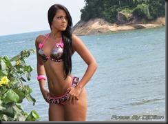 Modelo de bikini em santos
