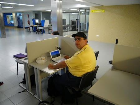 18, Internet - aeroportul Terceira.JPG
