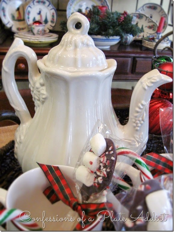 CONFESSIONS OF A PLATE ADDICT Hot Cocoa Station Christmas Centerpiece