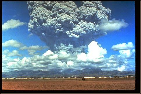 pinatubo91_eruption_plume_06-12-91