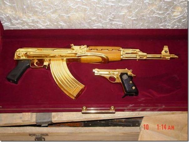Armas de Ouro de Saddam Hussein (4)