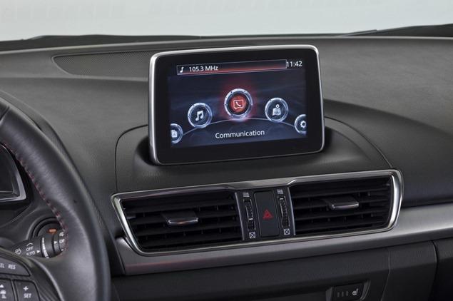 New-2014-Mazda3-Sedan-6