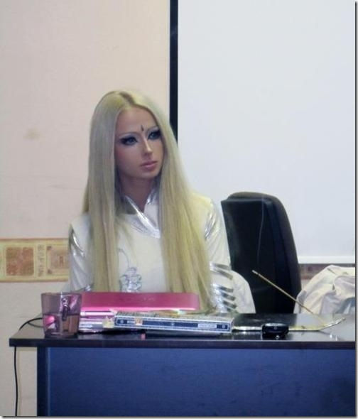 valeria-lukyanova-barbie-doll--10