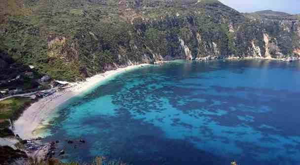 Πετανοί: Μια μυθική παραλία της Κεφαλονιάς