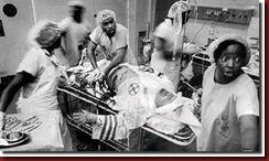 Medico negro salvando um membro da Kun Kus Klan