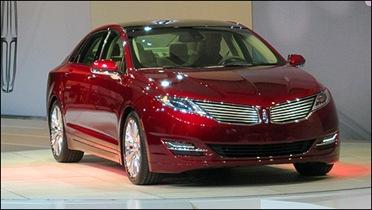 Lincoln-MKZ-2012_i03