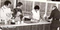 1972 De meisjesgroep van juf Kassies en de jongens groep van meester Goos (2)