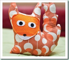 Crafty-fox-cushion-uguardian