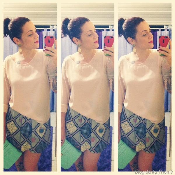 Look saia estampada, blusa nude e maxi carteira turquesa (2)