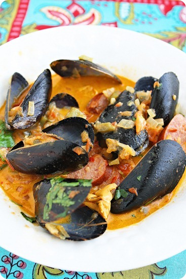 Mussels with Chorizo in Tomato Sauce