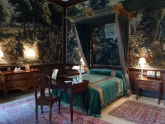 green tapestry room