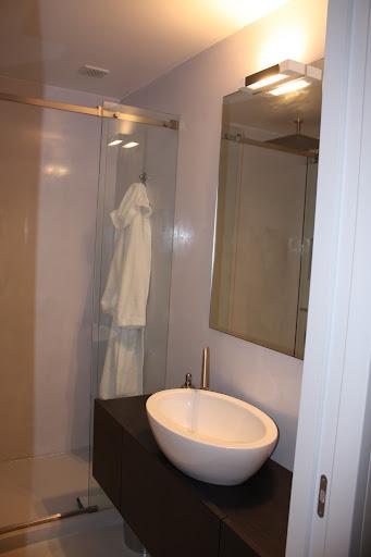 forum arredamento.it ?cambio la luce dello specchio bagno con... - Luce Specchio Bagno