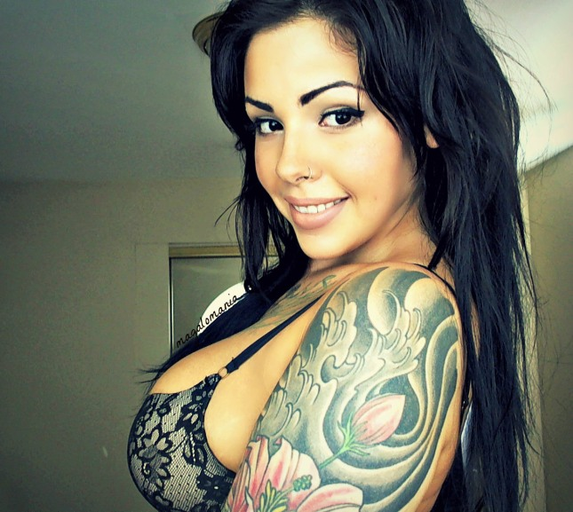 chica hot tatuaje
