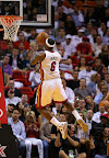 lebron james nba 121107 mia vs bro 01 King James wears 5 Colorways of Nike LeBron X in 6 Games