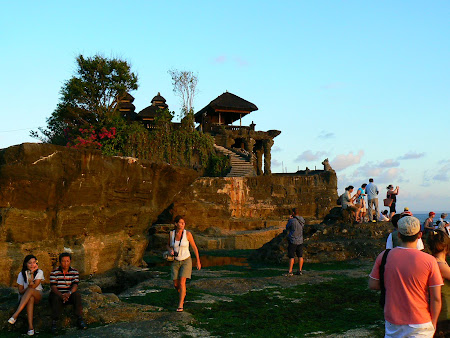 What to do in Bali: Visit Tanah Lot