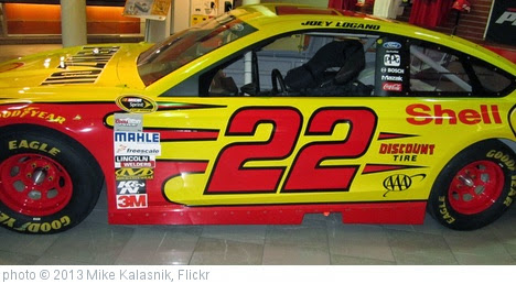'Joey Logano' photo (c) 2013, Mike Kalasnik - license: https://creativecommons.org/licenses/by-sa/2.0/