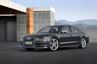 2014-Audi-S8-10.jpg