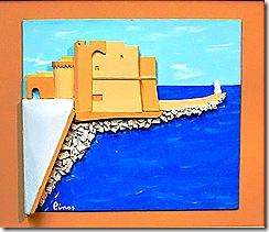 castello carlo V visto dal lungomare margherita