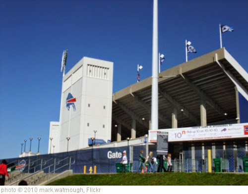 'Ralph Wilson Stadium' photo (c) 2010, mark.watmough - license: https://creativecommons.org/licenses/by/2.0/