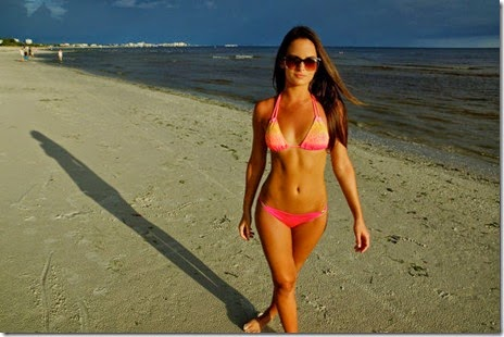 summer-bikinis-babes-042