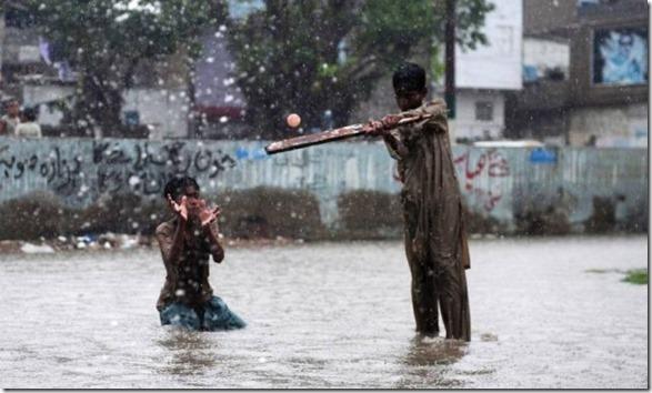 happy-flood-people-16