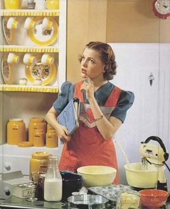 retro woman cooking 2