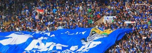 Sambut Laga Perdana Persib Bandung vs Persipura, Bobotoh Banjiri Stadion Siliwangi