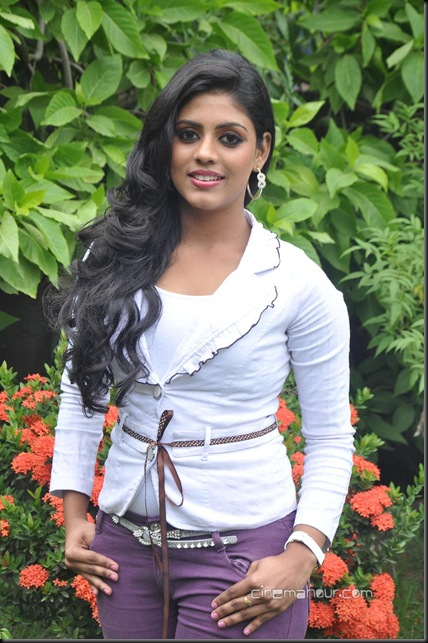 33305515Iniya_Pictures_at_Ammavin_Kaipesi_Press_Meet_(6)