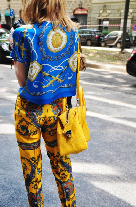 street-style-trend-prints-blue-and-yellow-goldy