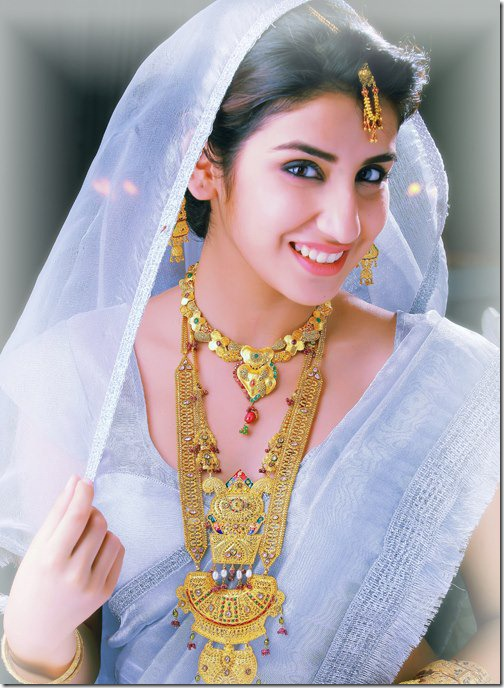 parul_gulati_in_saree_photos