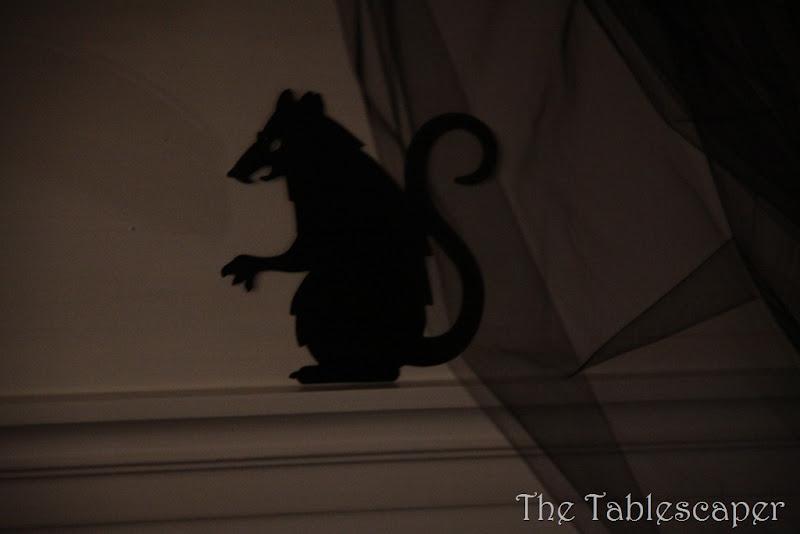 Halloween Mantel 055