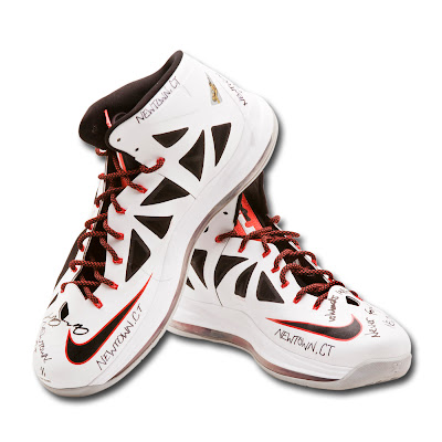 nike lebron 10 pe newtown upperdeck 2 01 LeBrons Game worn Shoes Auctioned to Benefit Newtown Families