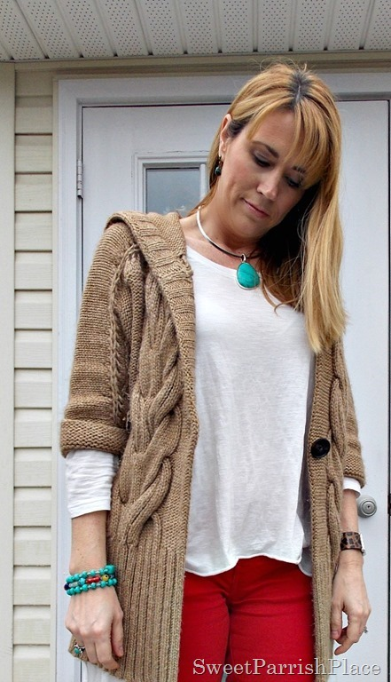 red skinny jeans, tan chunky sweater, brown booties2