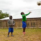 Spaß mit dem Ball im Waisenhaus des Foxes Community and Wildlife Trust, Mufindi. © Foto: Marco Penzel | Outback Africa Erlebnisreisen