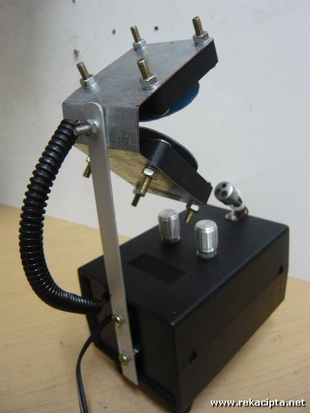 Rekacipta.net - Projektor Laser 45
