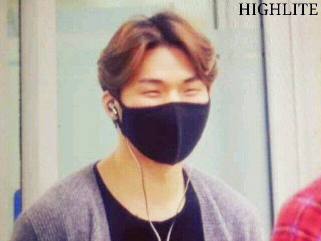 Dae Sung - Gimpo Airport - 14apr2014 - Fan - Highlite - 2.jpg
