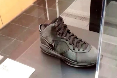 news nike whq lebron black collection 2 05 King James visits Nike WHQ. Shares Nike LeBron All Black Collection!