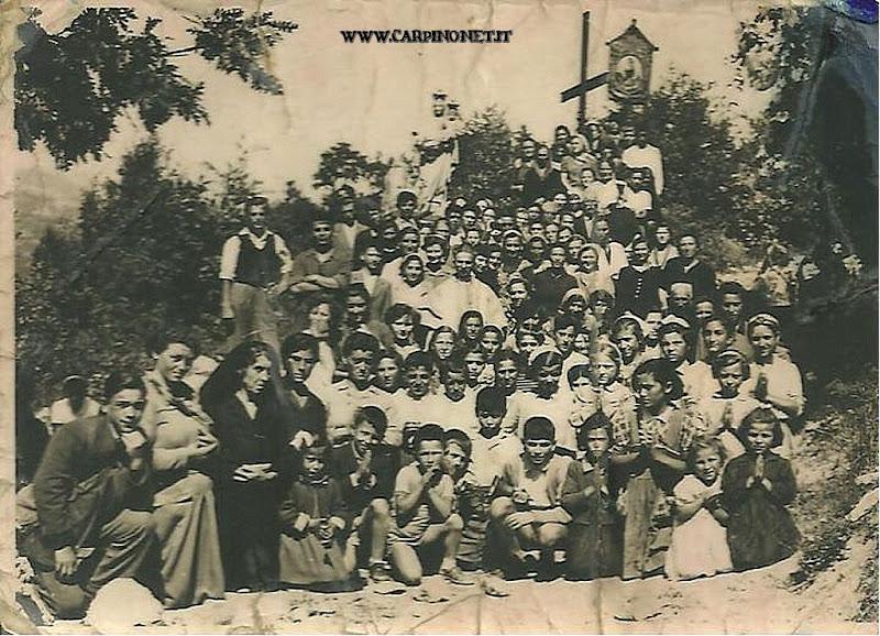 Foto di gruppo alla Madonna delle Fontane, anni 50