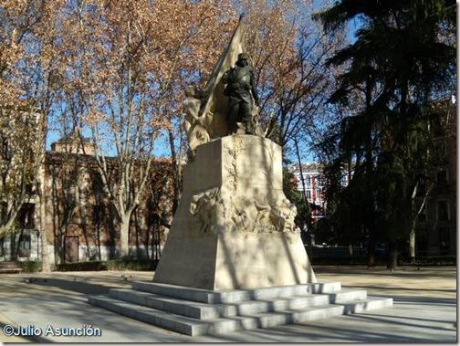 Monumento al cabo Luis Noval - Madrid