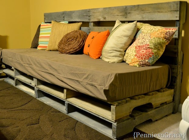 Pallet love couch